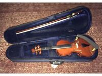 3/4 Primavera 90 Violin 'B Plus' set up with Prelude strings with KUN chin rest.
