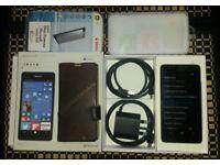 New Microsoft Lumia 950 Unlocked + Mint Nokia DC-50 QI Charger + Mint MD-12 NFC Bluetooth Speaker