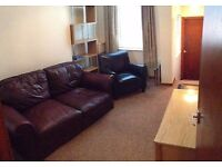 Botanic / Queen's University Area. One Bedroom Apartment. Furnished. £480 Per Calendar Month.