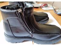 """PROTOCOL"" Mens Leather Insulated Black Boots With Side Zip Fasteners BRAND NEW Size 7 ( 41"