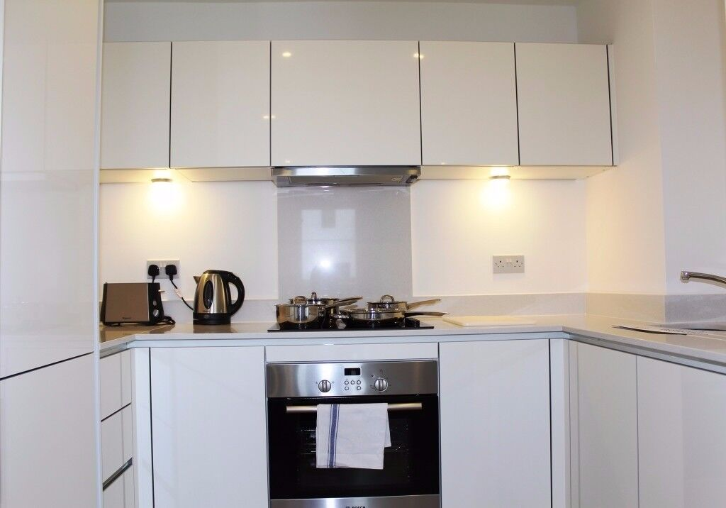 VACANT!! MODERN DUPLEX 2 BED 2 BATH APARTMENT IN GATED DEVELOPMENT IN BOW, E3, CALL NOW!! - AW
