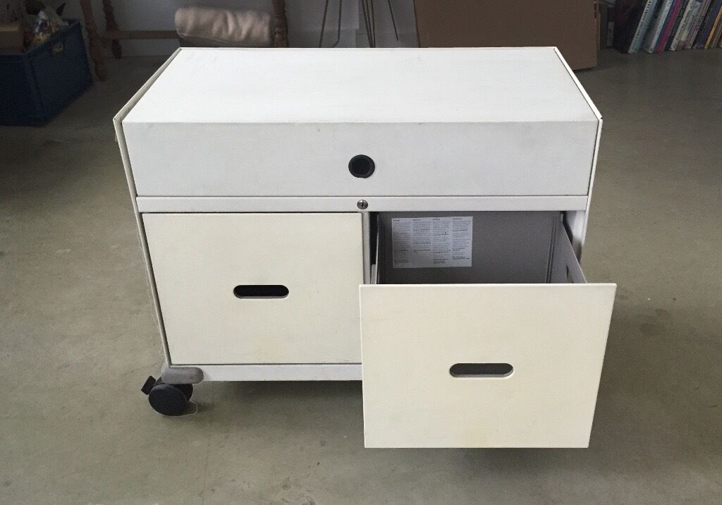 Beautiful Vitra Caddy Small Mobile Filing Cabinet, Used Condition