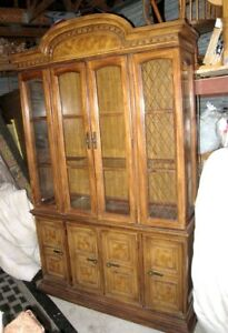 Wood China Cabinet/Hutch in good condition,delivery extra$$,read