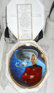 1995 STAR TREK TNG CAPTAIN PICARD & USS ENTERPRISE NCC-1701-D