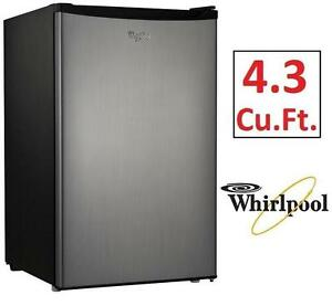 USED WHIRLPOOL  REFRIGERATOR COMPACT - 4.3Cu.Ft. - FRIDGE KITCHEN HOME APPLIANCE 106059011