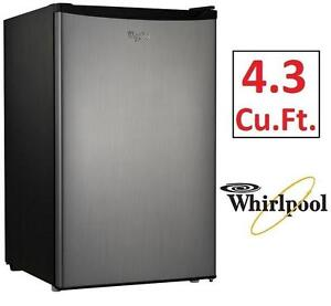 USED WHIRLPOOL  REFRIGERATOR COMPACT - 4.3Cu.Ft. - FRIDGE KITCHEN HOME APPLIANCE 99407344