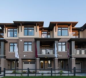 Beautiful, newly built back-to-back townhome in Barrhaven