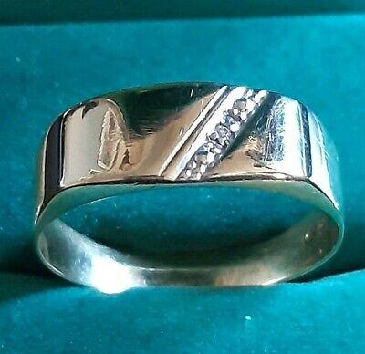 Stunning Solid 9ct Yellow Gold Diamond Band Ring - Full Hallmarks - Size V - 2.1