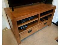 Solid oak sideboard / TV unit in excellent condition