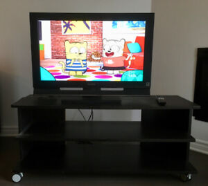 tv sony bravia 32 inches remote, stand and antenna included