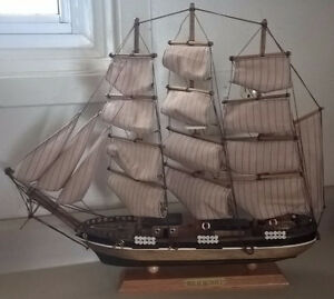 Vintage Heritage Mint LTD Collectibles Pride Of The Baltimore II