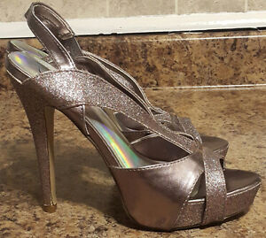 Metallic Mauve Leather Pumps