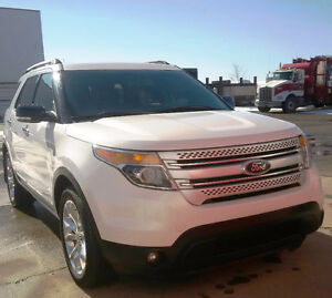 Loaded 7 Passenger Explorer with Leather