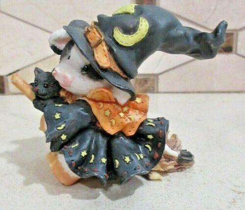 """Enesco Mary Moo Moos 1996 """"I Cast My Spell On Moo"""" Figurine #185752"""