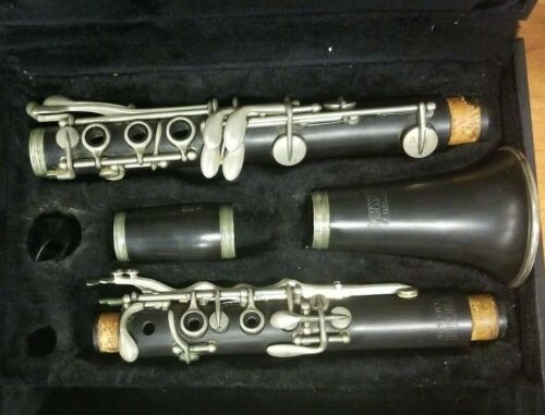 Vintage F.E. Olds & Son Ambassador Clarinet with Case - serial # 40130