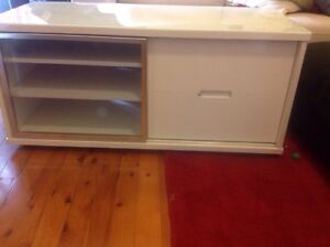 Gloss white and tempered glass top entertainment unit Belrose Warringah Area Preview