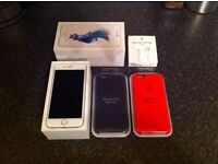 iPhone 6s 64GB Silver Unlocked (Mint Condition) + 2 Official Apple Cases