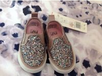 baby girls size 4 infant shoes