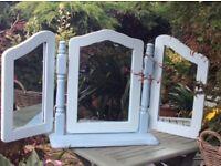 Hinged 3 panel mirror