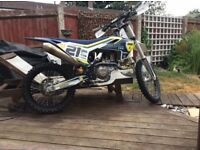 Husquvarva 450 2016 (Ryan houghton ex bike)