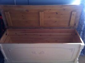 Large Ottoman - Blanket Box. Top needs a repaint Shabby Chic