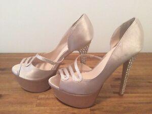 Ladies heels Baldivis Rockingham Area Preview