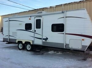 24 ft Coachmen with bunk bed