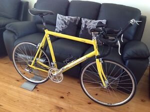 road bike vintage cannondale r700 alloy/hand made 54cm 1993 bicycle. Blacktown Blacktown Area Preview