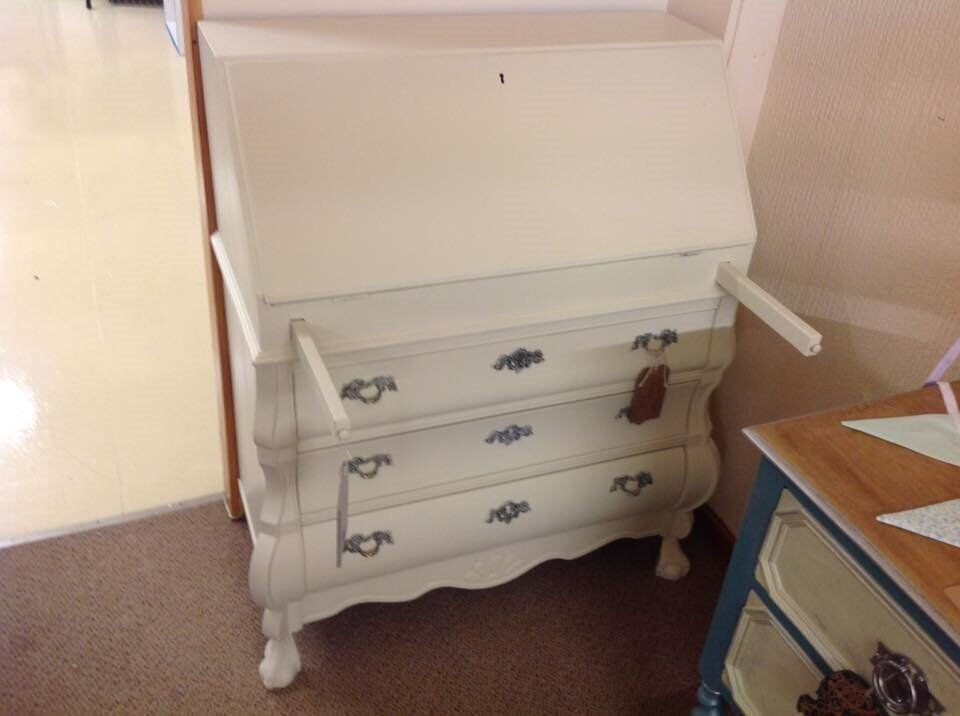 French Style Bon Chest Bureauin Methley, West YorkshireGumtree - French Style Bon Chest Bureau. A unique piece and rare find painted in a classical ivory with toile tapestry print inside the flip down desk