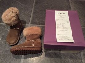 Girl's Clarks Boots size 7.5G