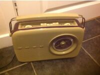 Vintage Bush radio in good working order