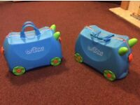 Terence trunki, 2 available