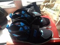Nike huarache (GS) (UkSize 5 and 1/2)