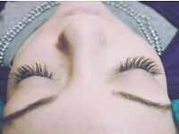 Full Set of Semi-Permanent Eyelash Extensions ONLY £35 including FREE Eyebrow Shape