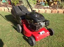 4 Stroke Lawn Mower (Excellent Condition) Point Vernon Fraser Coast Preview