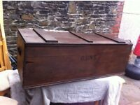 VINTAGE STORAGE BOX - GUN STORAGE BOX