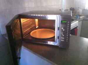 Panasonic Convection microwave oven, 42L with a 380mm turntable Karratha Roebourne Area Preview
