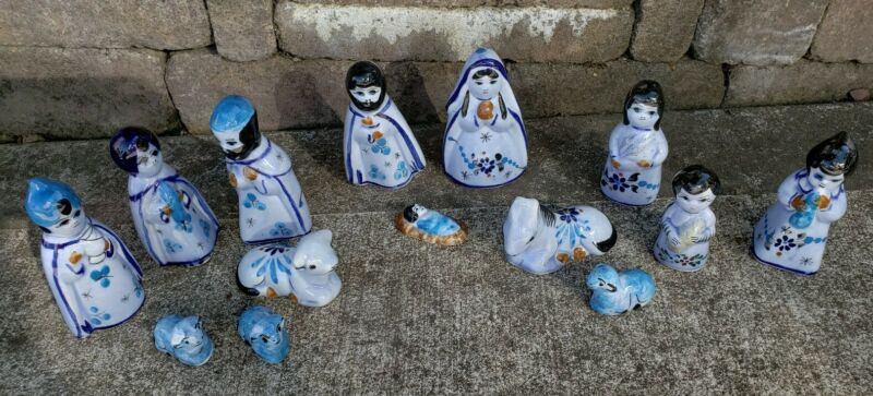 Vintage Mexican pottery hand painted 14pc nativity set