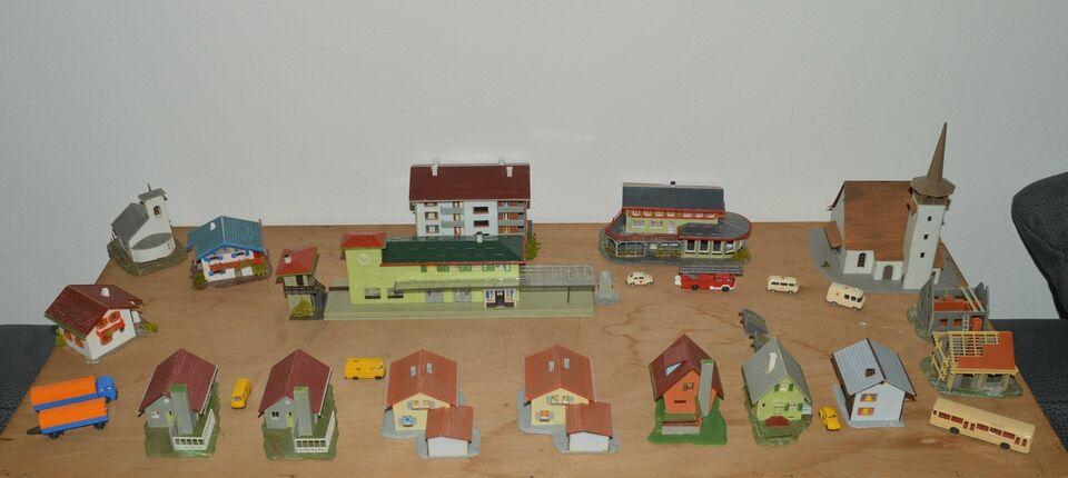 Minitrix Loks, Personenwagen, Wagons und Zubehör in Adendorf