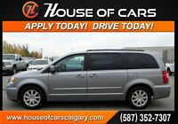2014 Chrysler Town & Country Touring   *$154 Bi-Weekly Payments
