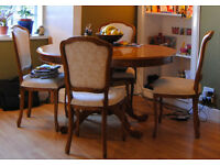 Oval extendable wooden table with 4 chairs