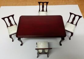 NEW IN BOX Dolls House Mahogany Dining Table & 4 Chairs With Dralon Seats