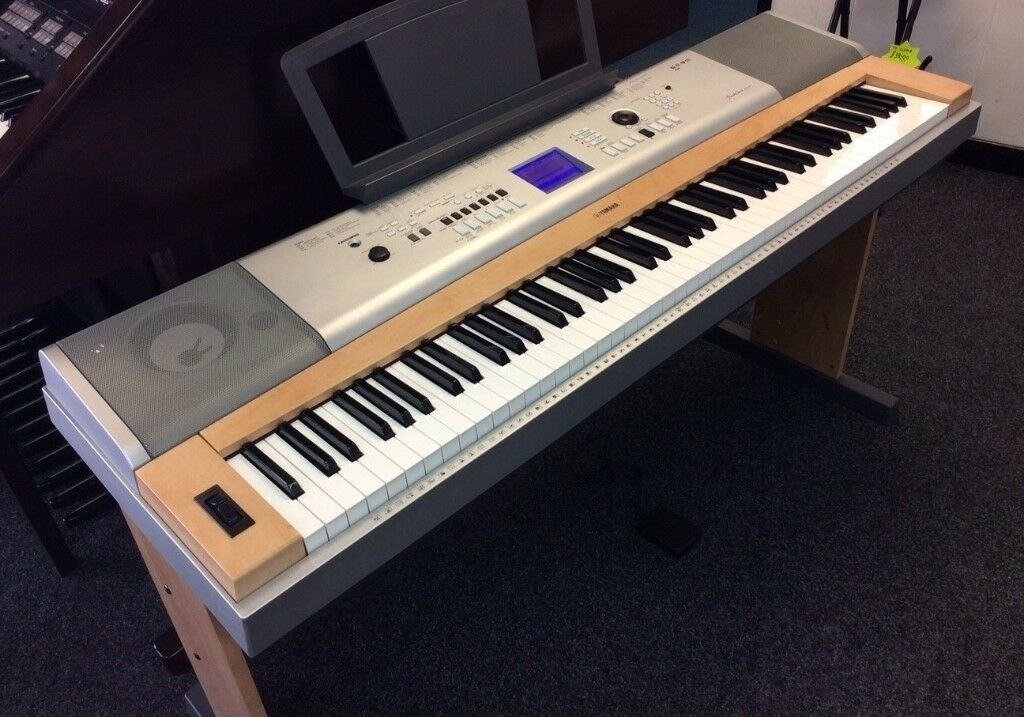 Yamaha DGX 630 , DGX630 , 88-Key Hammer Standard Piano with 494 Voices and  160 Styles  | in Bristol | Gumtree