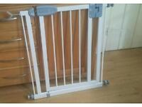 Tippitoes narrow stair Gate with bannister adaptor