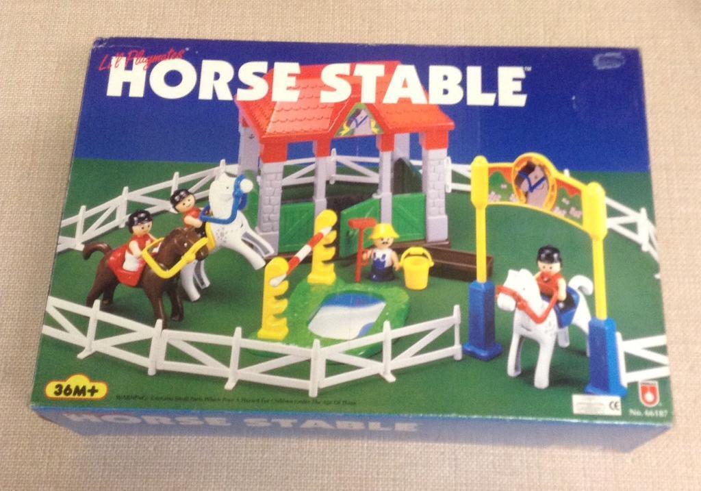 NEW Li'l Playmates HORSE STABLE Set