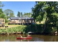 Riverside retreat in Farndon Cheshire (off grid) on the River Dee with 45 metres of river frontage