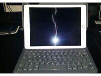 Apple Ipad Air 2 64GB & Logitech Type+ Bluetooth Keyboard Hard Case BARGAIN !!!