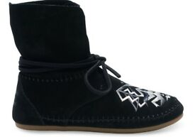 Toms black suede tribal embroidery zahara boots. Never worn. Size 5