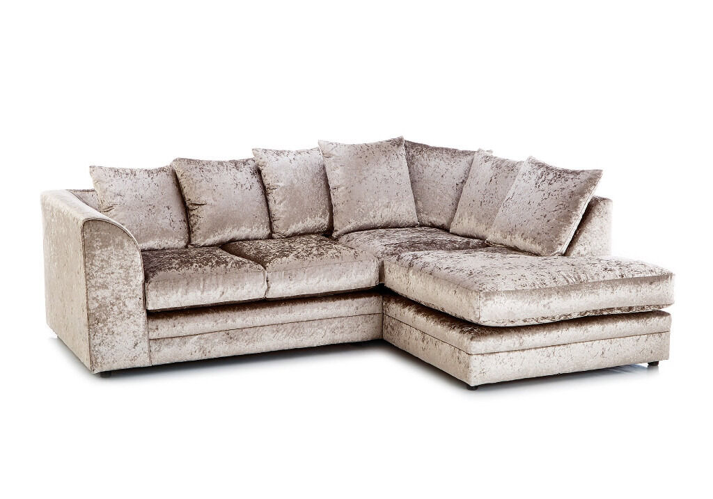DYLAN CRUSHED VELVETAVAILABLE IN DIFFERENT COLOREXPRESS DELIVERYMADE IN UKin Great Wakering, EssexGumtree - WE DO EXPRESS DELIVERY ALL OVER UK Our all Sofas come with 1 YEAR WARRANTY The Dylan suite is a modern suite in Modern Crush Velvet all over which gives the sofa a soft, gentle and stylish feel. The corner unit comprises of four seat cushions and...
