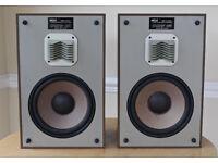 VINTAGE AKAI SR 1100 Speakers. SUPERB SOUND QUALITY. Made in Japan.